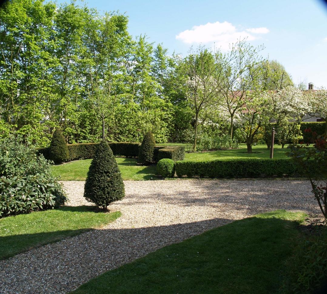 Normandie espaces verts entretien elagage amenagement for Entretien jardin 27